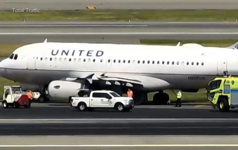 United Airlines Emergency Landing